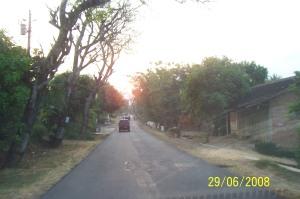 Jalan menuju rumah ngawi